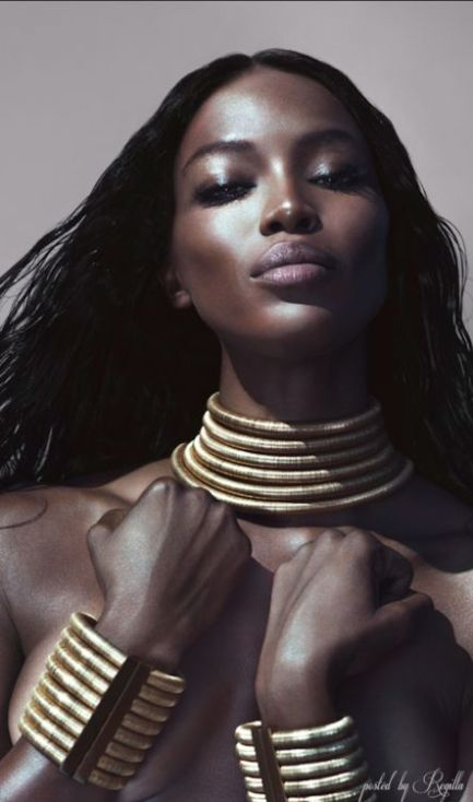 naomi campbell neck rings fashion