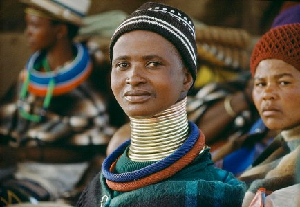 A woman from the Ndebele tribe in South Africa. 1/Jan/1988. South Africa. UN Photo/P Mugabane. www.unmultimedia.org/photo/