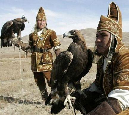 mongolian hunters