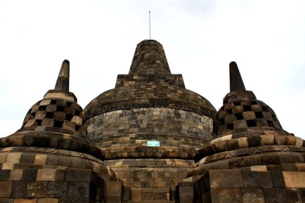 stupa-candi-brobudur-magelang-java-indonesia-1
