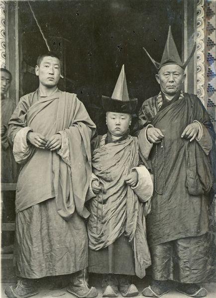 mongolian tibetan thibetan three pointed hat