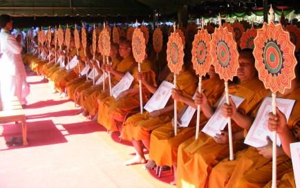Thai_Buddhist_monk_fan