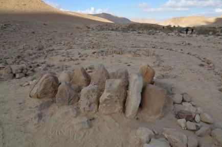 joshua's 12 stone monument jordan river bed israelite tribes